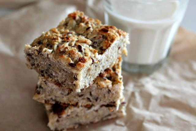 Banana and oat lunchbox treats